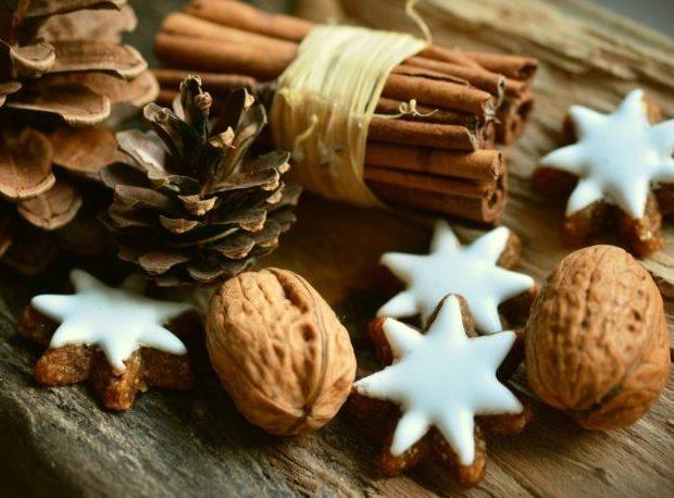 cinnamon-stars-2991174_1920-768x458